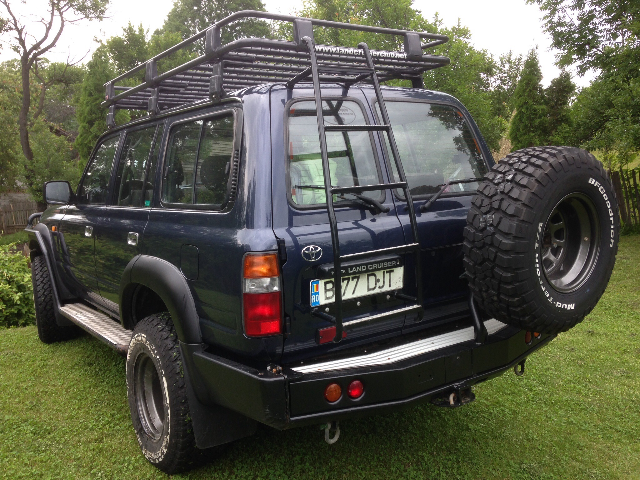 ... Could Have Been Made To Sling Or Hook Off The Rack Quite Easily, With A  Couple Of Safety Latches To Stop It Slipping Off. It Might Give You Some  Ideas.