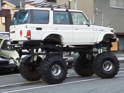 Pics_Toyota_Land_Cruiser_Bigfoot.jpg